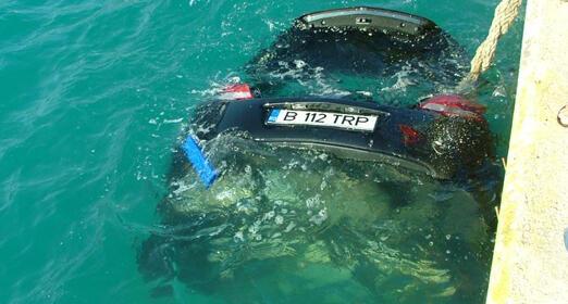 car-sea1