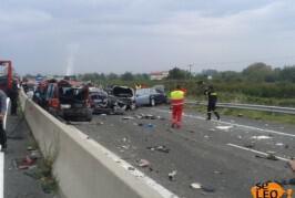 Καραμπόλα θανάτου στην Εγνατία Οδό. Νταλίκα έπεσε πάνω σε 40 αυτοκίνητα!
